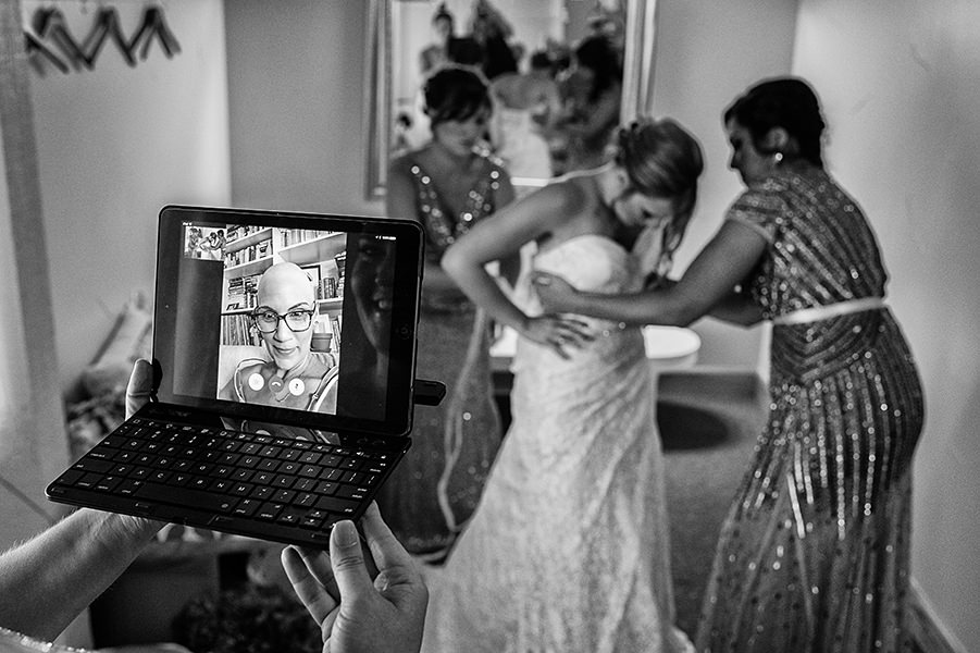 How To Give Your Wedding A Tech Upgrade