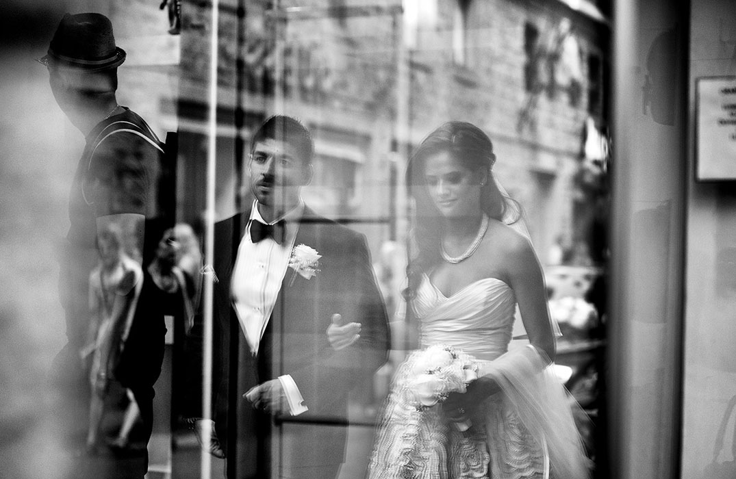 Image /var/www/vhosts/lvps92-60-120-255.vps.webfusion.co.uk/weddingphotographyselect/international/log-in/profiles/server/php/files/3080/wedding-photojournalist-association-wpja-fearless-035.jpg By Chiara Ridolfi