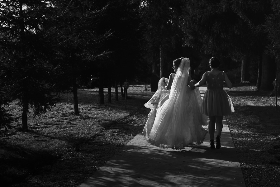 Image /var/www/vhosts/lvps92-60-120-255.vps.webfusion.co.uk/weddingphotographyselect/international/log-in/profiles/server/php/files/3717/cri-cri-cri-5-6.jpg By Cristian Lazarescu