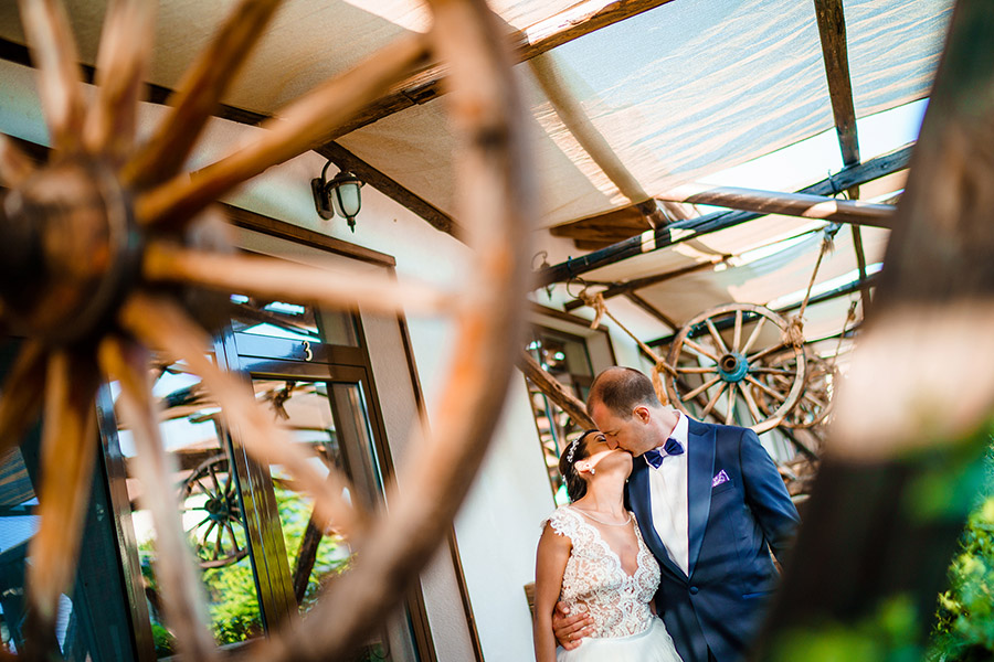 Image /var/www/vhosts/lvps92-60-120-255.vps.webfusion.co.uk/weddingphotographyselect/international/log-in/profiles/server/php/files/402520/vonle-00034.jpg By Bozhidar Krastev